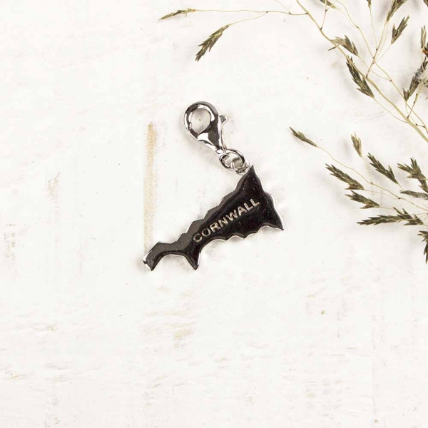 509602-map-charm-silver