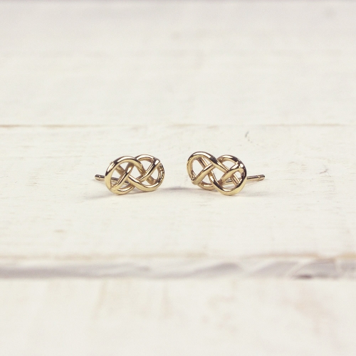 Demelza-gold-stud-earrings
